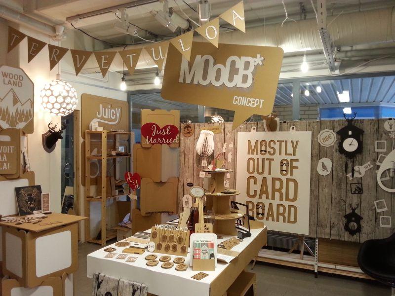 MOoCB* Concept (*Mostly Out of CardBoard) sijaitsee Kehysliike J. Sallisen kyljessä.