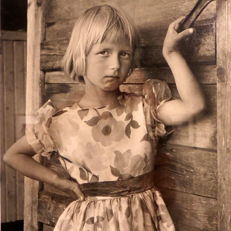 Ismo Hölttö ajoi 60-luvulla läpi Suomen kuvaten ihmisiä heidän omassa ympäristössään.