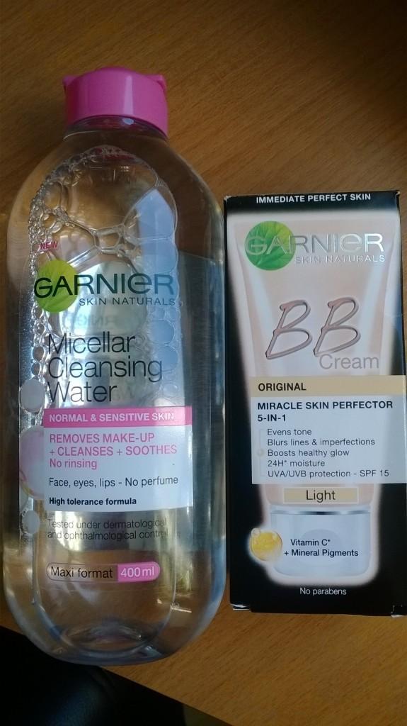 Kuvassa Garnier Micellar puhdistusvesi sekä BB-voide.