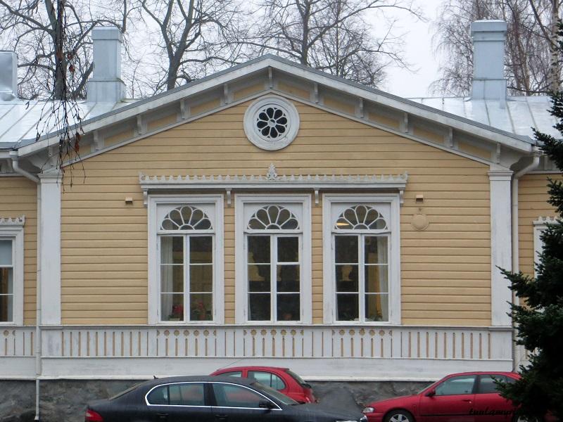 Sveitsiläistyylinen piispantalo, jossa viimeksi asui Wille Riekkinen.