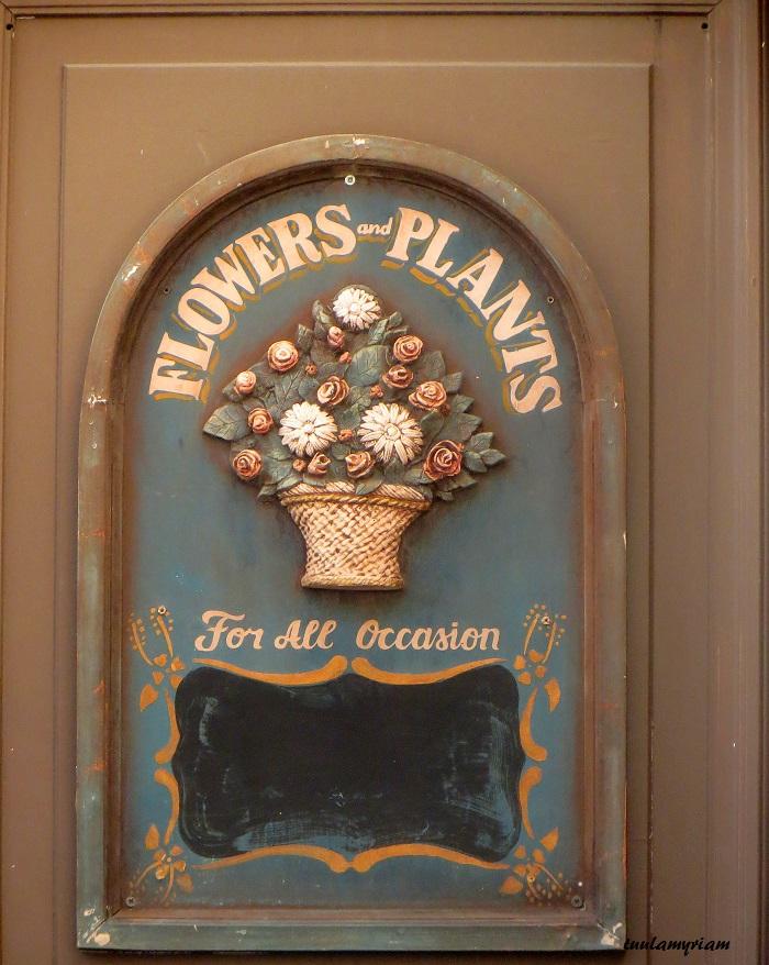 Vanha kauniisti kunnostettu ovi