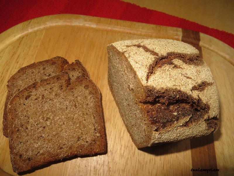 Täysrukiista ja hiivatonta leipää