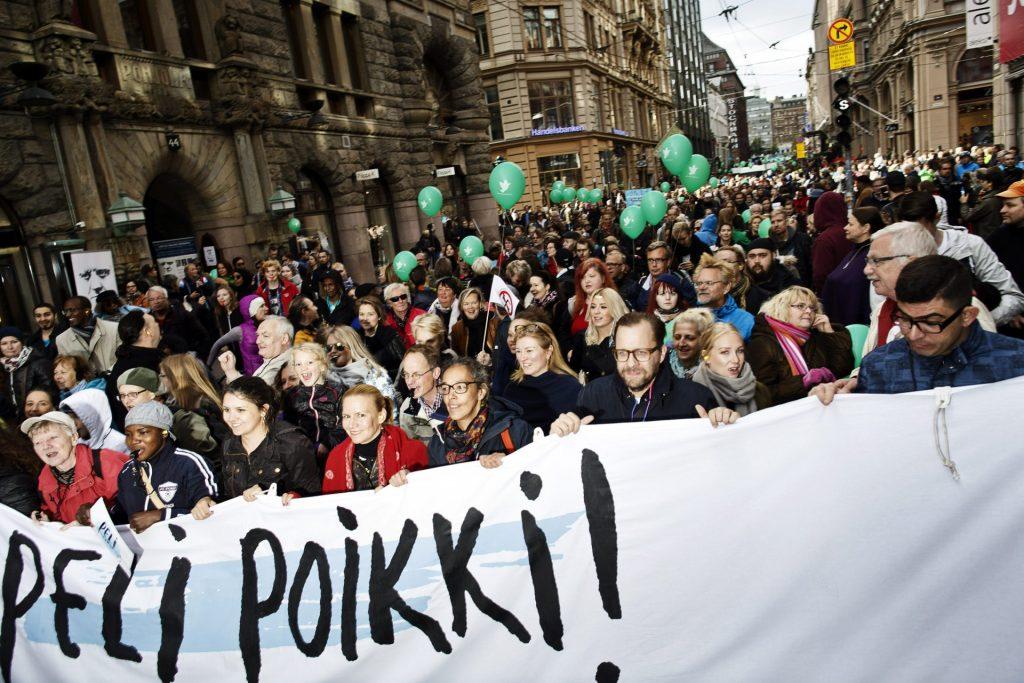 Peli poikki -mielenosoitus Helsingissä 24.9.2016