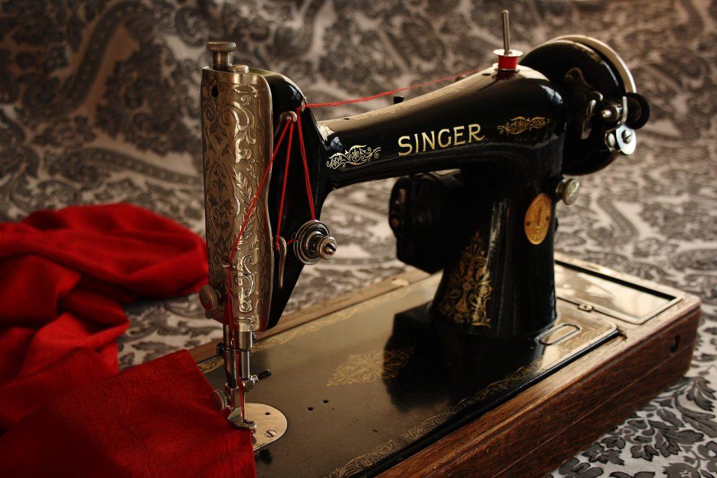 sewing-machine-1806096_1920-1